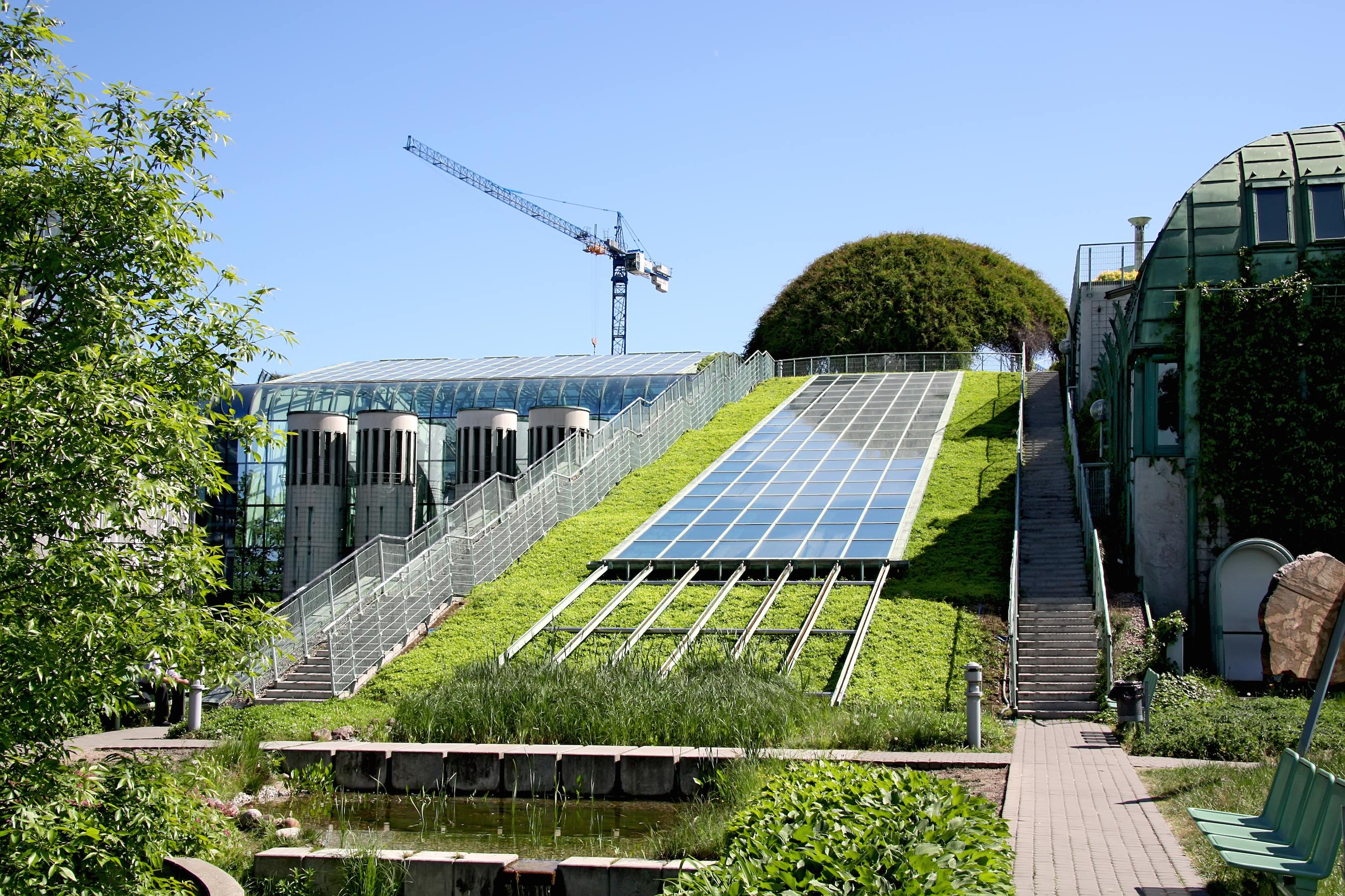 Green Roofs From Europe To North America Biobuild Program